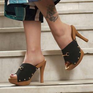 Shoes - 🆕Black Wooden Mules